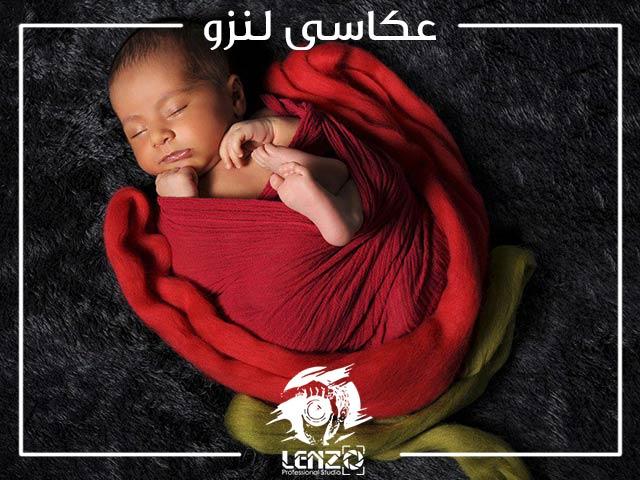 خوابیدن نوزاد و ثبت تصویر از آن