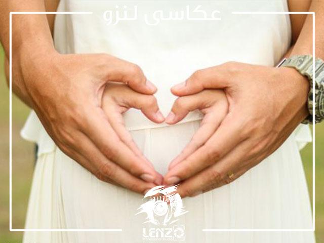 عکس بارداری با همسر به صورت عاشقانه